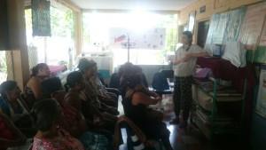 Der Vortrag in der Unidad de Salud in El Zapote